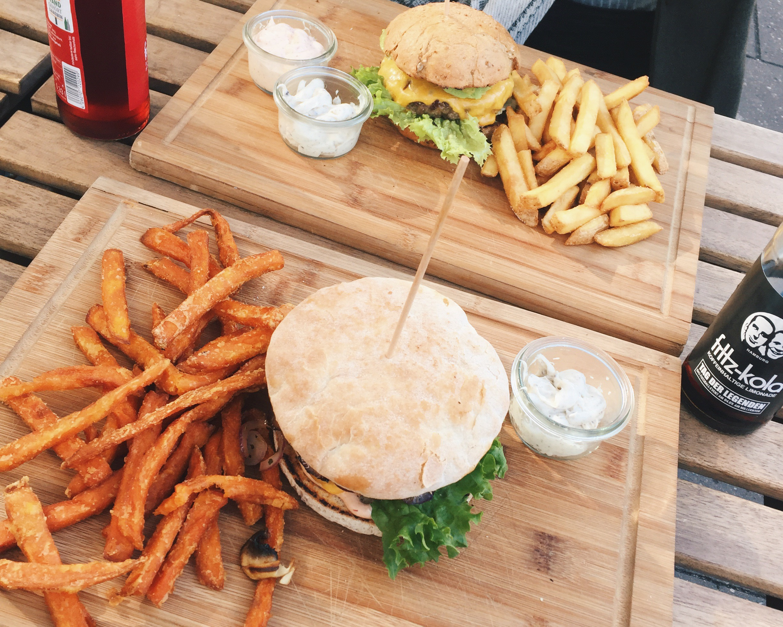 Peace_Love_Burgers